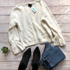 NWT Lumiere Cream Knit Cinched Sleeve Sweater M✨